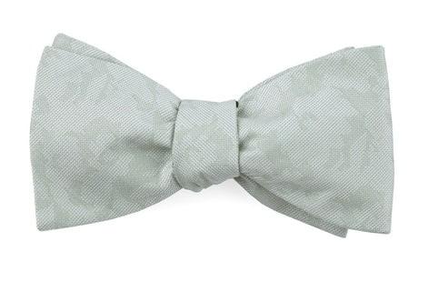 Refinado Floral Spearmint Bow Tie