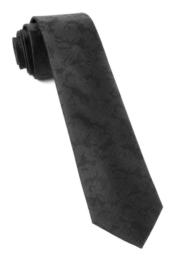 Refinado Floral Black Tie