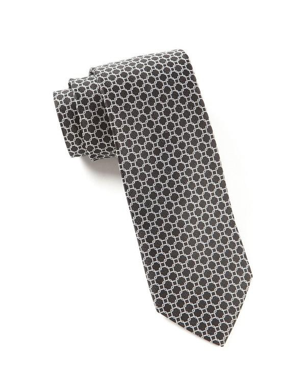 Chain Reaction Black Tie