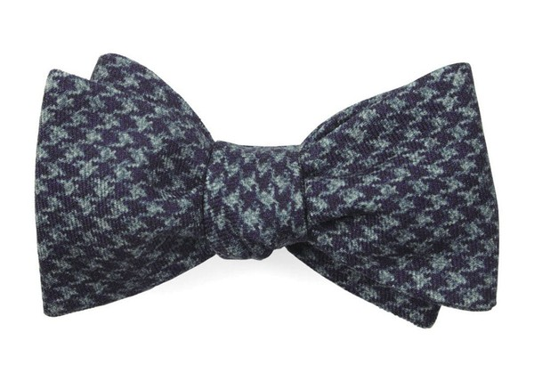 Woolf Houndstooth Eggplant Bow Tie