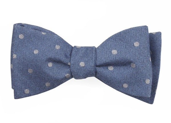 Dotted Hitch Light Blue Bow Tie