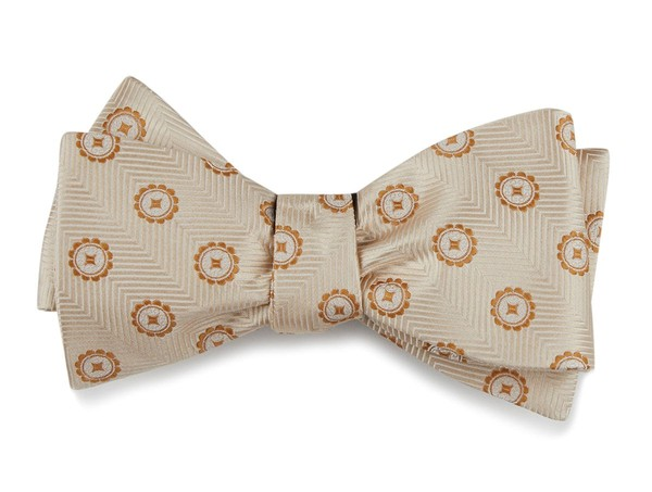 The Massachusetts Light Champagne Bow Tie