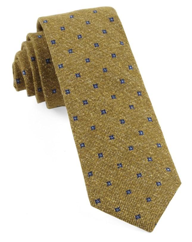 Medallion Ridges Mustard Tie