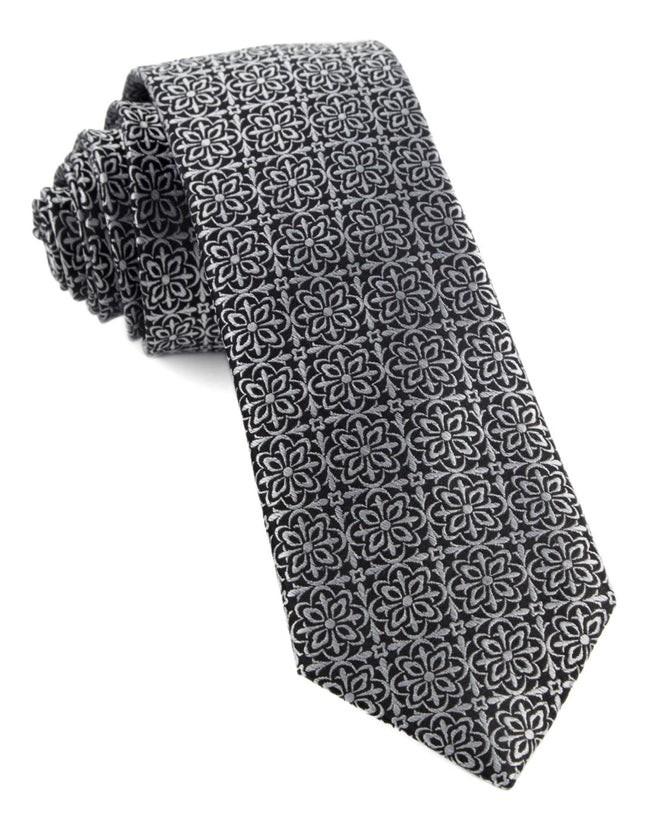 Opulent Black Tie
