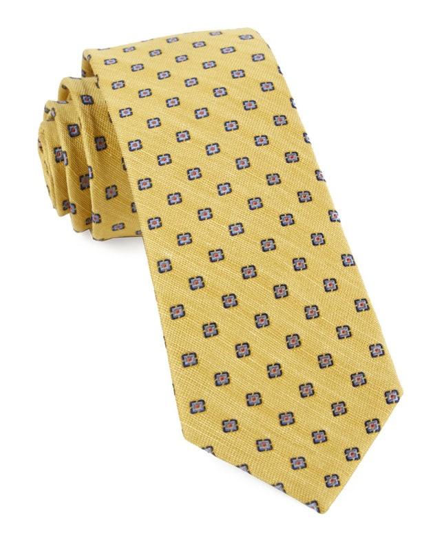 Medallion Scene Yellow Tie