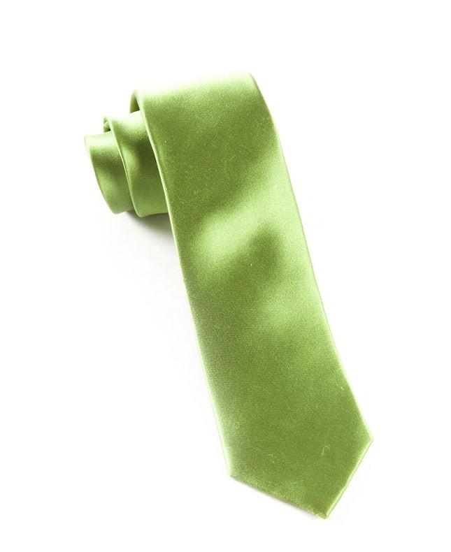 Solid Satin Clover Tie