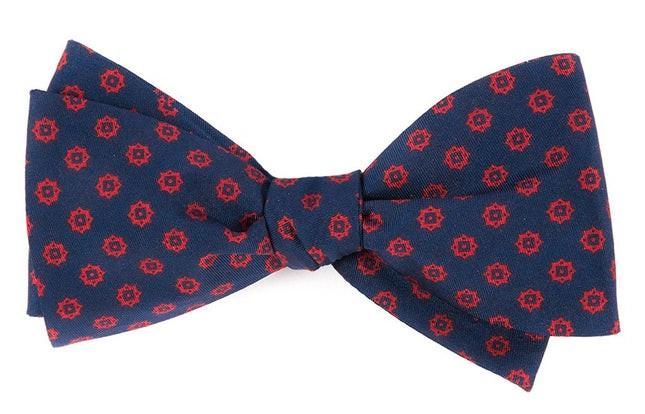 Major Star Navy Bow Tie