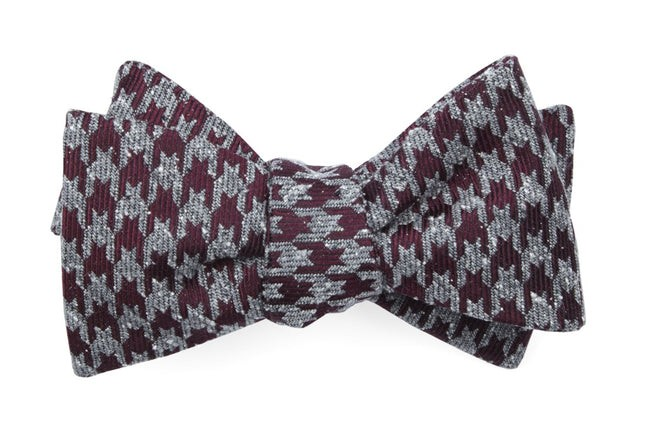 Houndstooth Thrill Burgundy Bow Tie