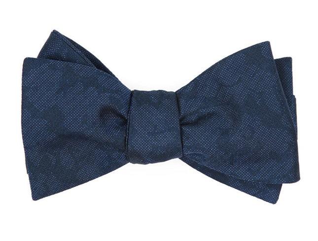 Refinado Floral Navy Bow Tie