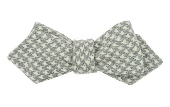 Hanover Houndstooth Hunter Green Bow Tie