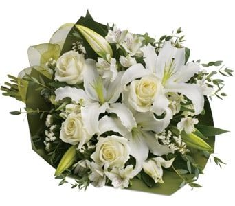 Simply White for flower delivery united kingdom wide