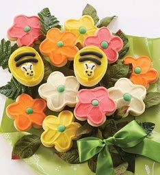Cheryl's Buttercream Frosted Flower and Bee Cookie Flowers