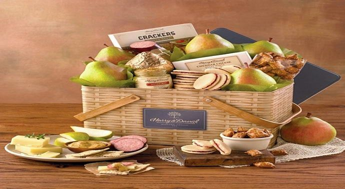 Harry & David® Summer Picnic Basket