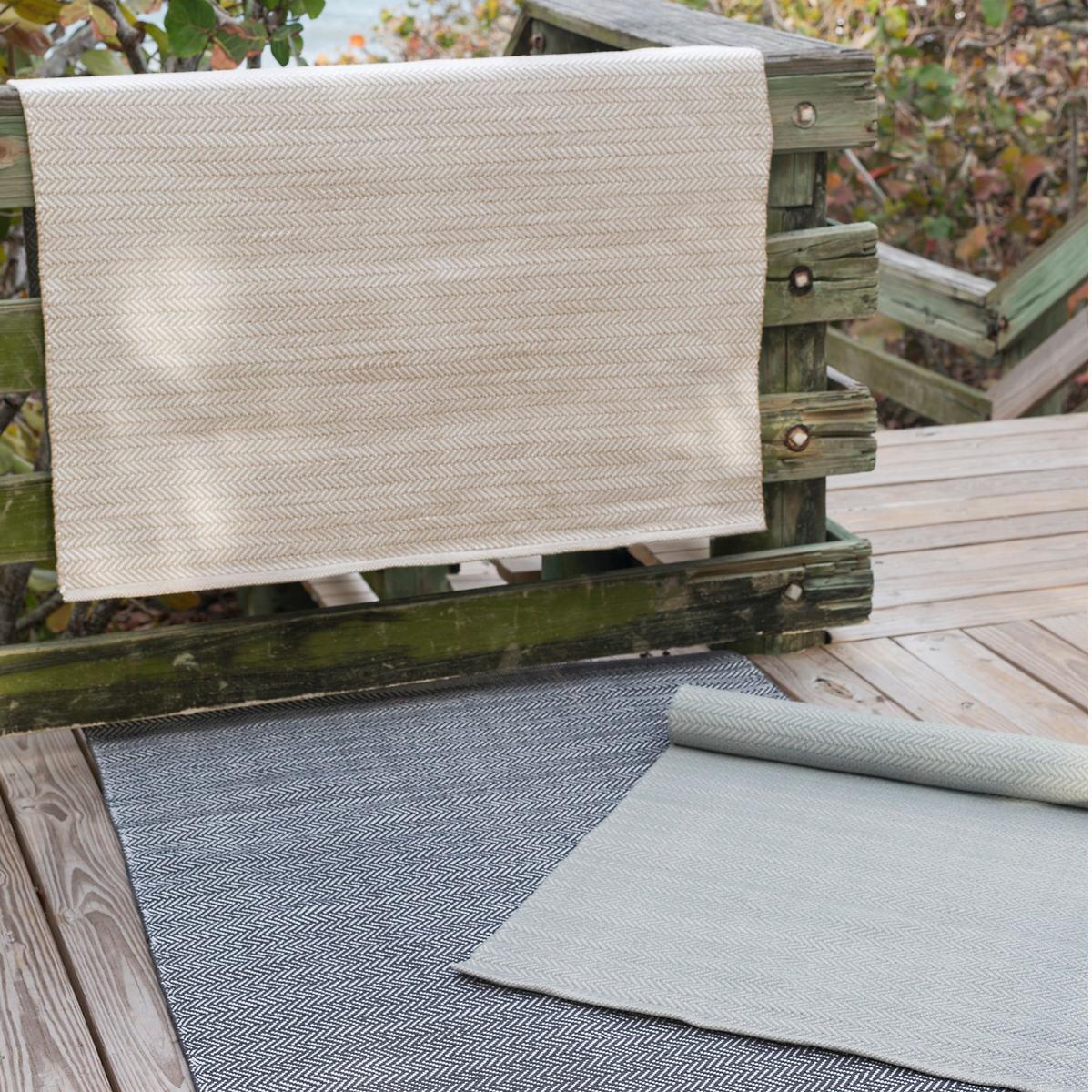 Herringbone Linen/White Indoor/Outdoor