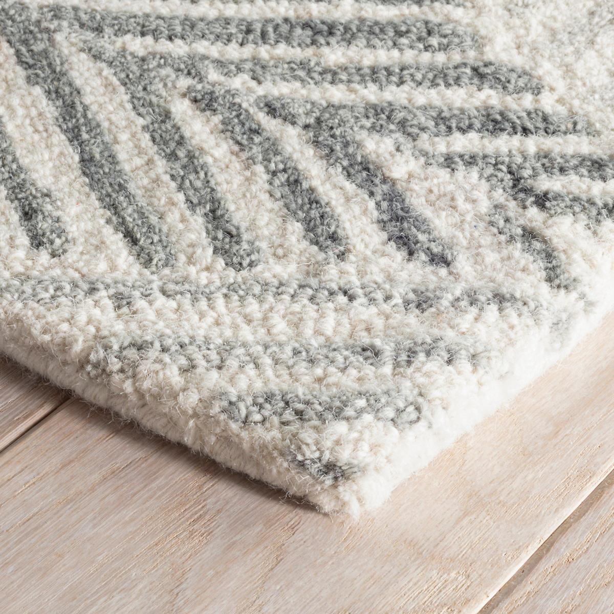 Karari Hooked Wool Rug | Dash & Albert